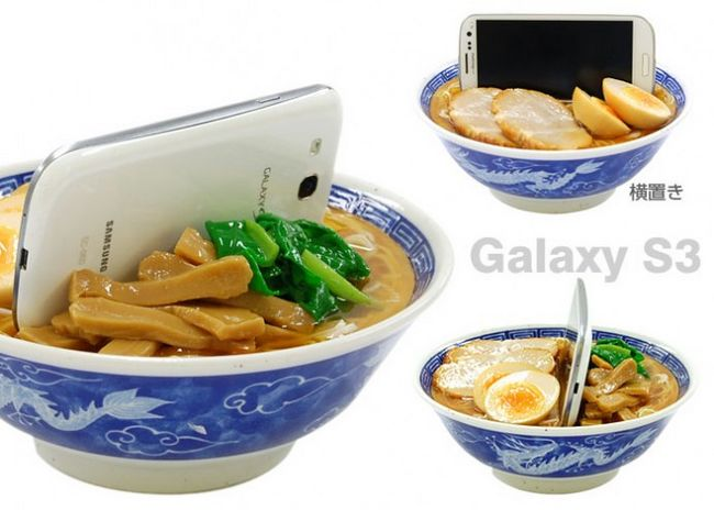 noodles-bowl-smartphone-stand-2-692x494