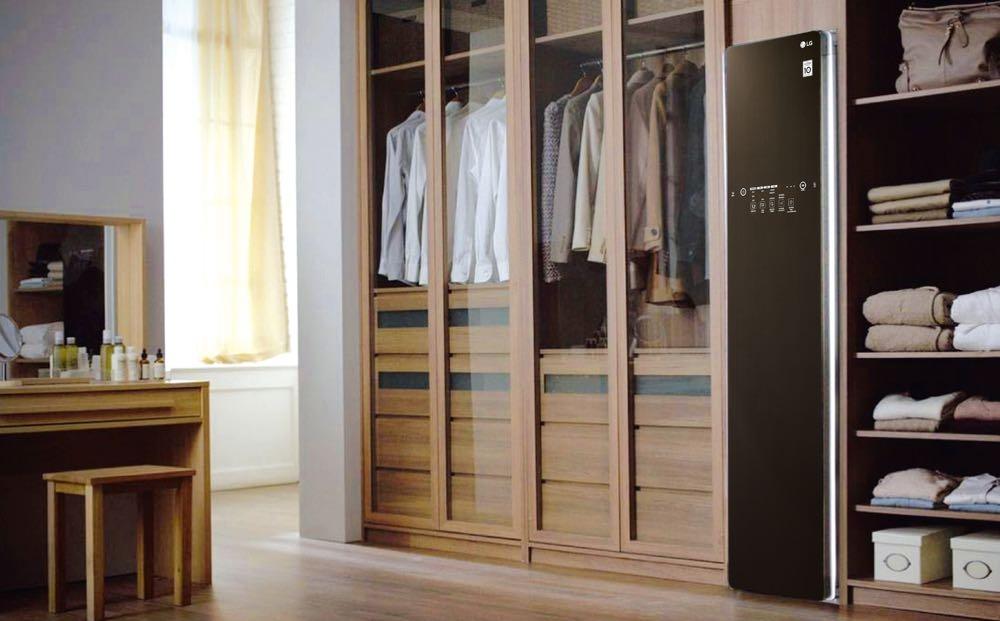 LG Styler的殺菌除臭功能,即便在悶熱潮濕的夏季也不需要天天送洗衣物,就能輕鬆維持清新的專業好品味。