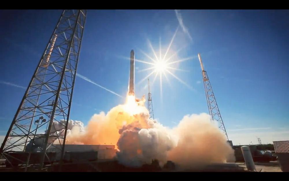 SpaceX成功完成火箭發射與回收!