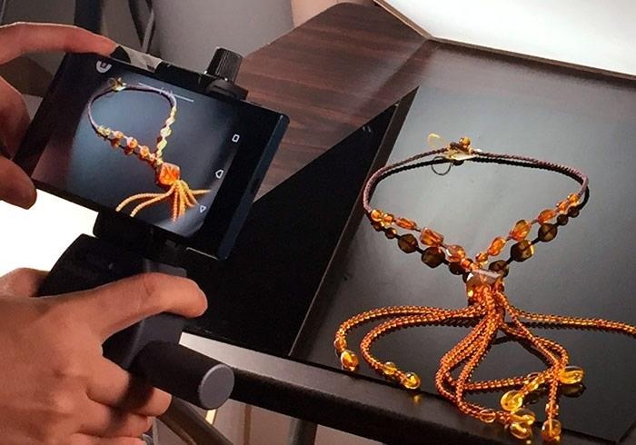 梅問題-「手機商品攝影-14」實拍透黃琥珀項鍊